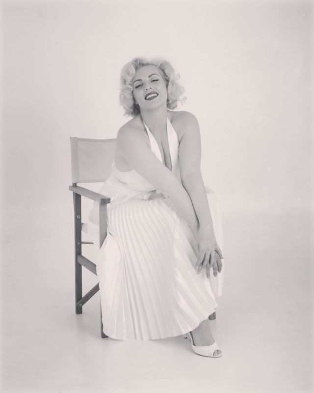 It's all just make believe isn't it ?  . . Sitting around patiently waiting to get back on stage and entertain you all again 💞 . . What are you waiting patiently to enjoy again ?  . . #blackandwhitephotography #vintagestyle #oldhollywoodglamour #mondaymood #50sstyle #platinumblonde #fashion #1950s #photooftheday #marilynmonroehair #vintageinspiration #marilynmonroe #marilynmonroelookalike #marilynmonroeimpersonator #sevenyearitch #vintageglamour #oldhollywoodstars