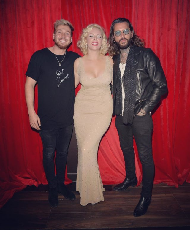 Got to hang out with these two gents the other week @proudcabaret !  . . . Oh what fun we had @p_wicks01 who knew @samthompsonuk sings Disney songs 😂🙌🏻 . . Photo by @palace_lee  #proudcabaret #proudembankment #londonlifestyle #londonvibes #londonnightlife #happybirthdaymrpresident #blondehair #50sstyle #retrogirl #towie #essex #backstage #funtimes #realitytv #showtime #londonshow #wednesdayvibes