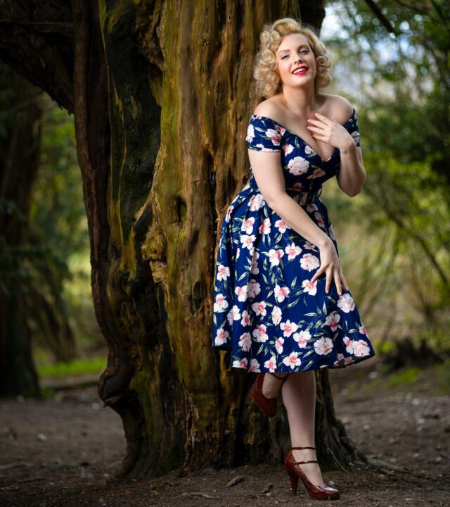 There's always a reason to smile. The magic is in finding it 😆 . . Dress by @british_retro  Photo by @85mmphoto  Model @miss_isabella_bliss  . . #smile #reasonstosmile #blondehair #50shair #50sstyle #vintagestyle #retrofashionstyle #teadress #dressoftheday #saturdayvibes #forestwalk #treeoflife #flowerydress #floraldress #floralprint #redlips #modellife #photograpylovers #hollywoodglamour #vintageglamour