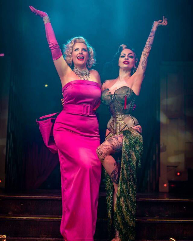 Showgirl sisterhood sharing the stage with this Bombshell tonight @dressedtokillyou and I can't wait 💕🌟 . . Catch us sparkling up the stage @proudcabaret Embankment . . Photo by @ianbowkett . . #showgirls #sisterhood #showtime #cabaret #familylove #braziliangirl #hollywoodblonde #theresnobusinesslikeshowbusiness #proudcabaret #proudembankment #londonlife #londongirl #pinkdress #diamondsareagirlsbestfriend