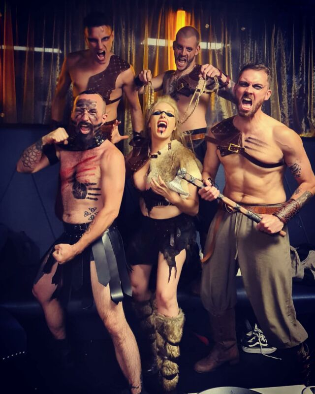 Will be getting battle ready with the boys tonight 💪⚔️🏹 . . Armour shoulders by @_scpcc_ 🤟🏻 . @ethanhussain @philipbirchall @shadeflamewater #sam  #vikings #vikingwomen #vikingstyle #vikinglife #thelastkingdom #battlemode #timetofight #stageshow #warriors @proudembankment @proudcabaret