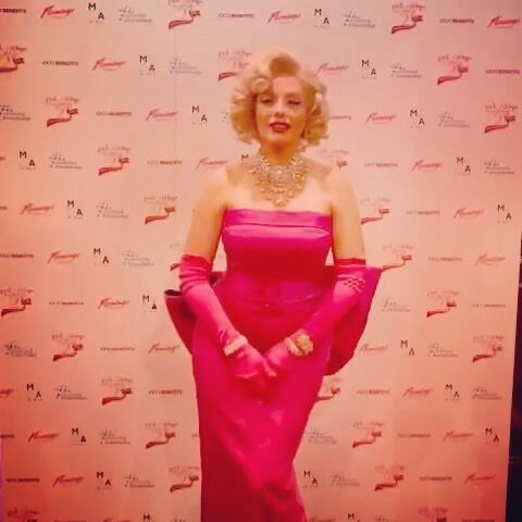 Thank you so much to the lovely people at @pinkribbonfoundation for having me perform last night it was an honour to support you on your 21st Birthday #pinklondon2021  . . @proudcabaret @proudembankment  #breastcancerawareness #breastcancer #pinkribbonfoundation #pinkribbon #chairtyevent #support #raiseawareness #pinkdress #blondehair #lookalike #comedy #singer #londonlife #eventsprofs